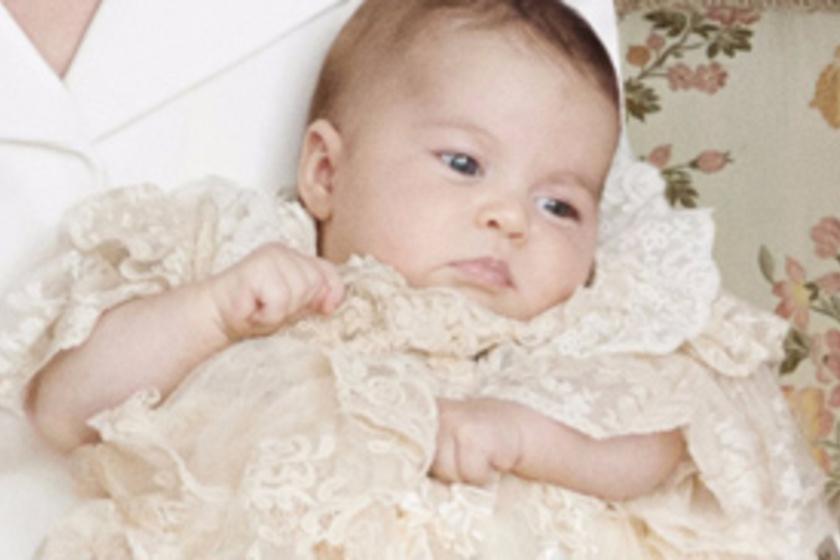 Katalin tündéri képeket készített a kis Charlotte hercegnőről! Nézd meg a  fotókat! 3a8b3d0ecb