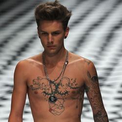 902c76c3de Velvet - Trend - A trendi férfiak 8 legkínosabb túlkapása a divatban