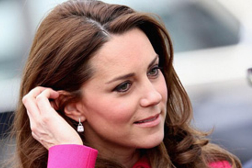 Fotó  pink ruhájában csak úgy ragyogott ma délelőtt Katalin hercegnő! Képeken  a ... 65df8d651c