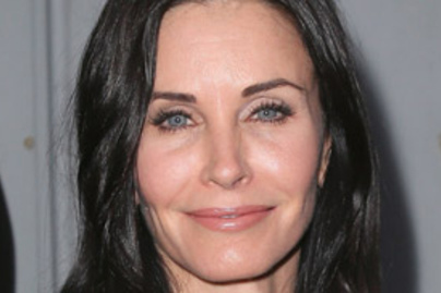courteney cox bikini lead
