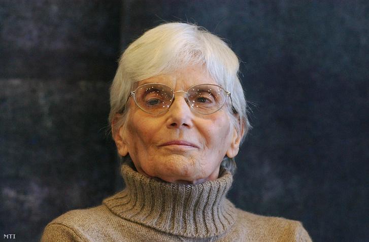 2005. december 9.: Székely Éva úszó, a Nemzeti Sportszövetség életműdíjasa.