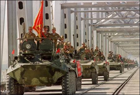 A Vörös Hadsereg tíz év háborúzás után vonult ki Afganisztánból