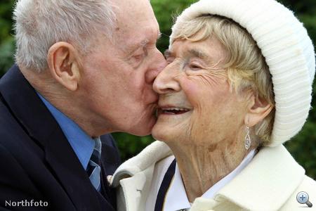 Egy szenvedélyes csók - vagy legalábbis puszi