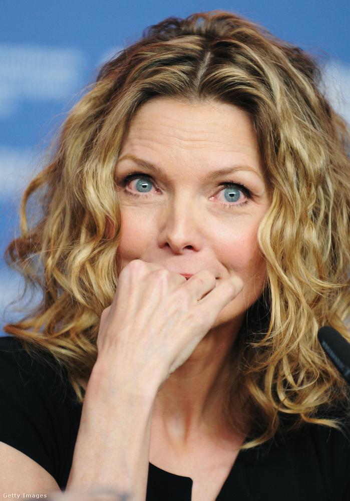 Pfeiffernél egyszer bekattant ez a dolog: az anyja elvitte moziba, majd a vásznat nézve azt mondta magában, hogy ez neki is menne.