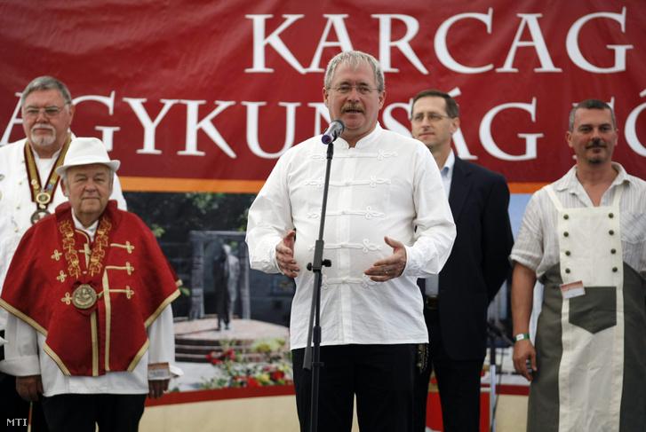 Fazekas Sándor a XVII. Karcagi Birkafőző Fesztivál megnyitóján 2015-ben.
