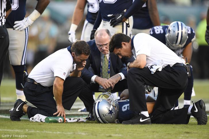 Romót ápolja a Cowboys stábja