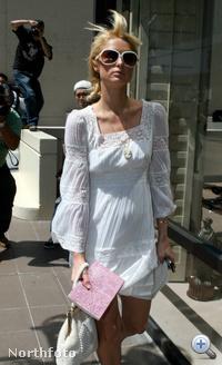 Paris Hilton 2007-ben, amikor megtudta, hogy börtönbe kell vonulnia