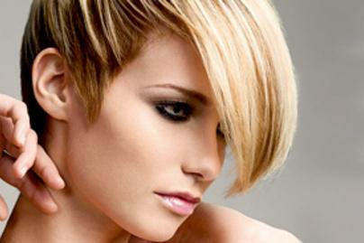 1b4d9a5479 7 gyönyörű frizura, ha nincs sok hajad, de szeretnéd, ha úgy tűnne ...