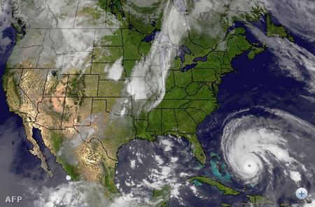 Műholdkép a közelgő hurrikánról
