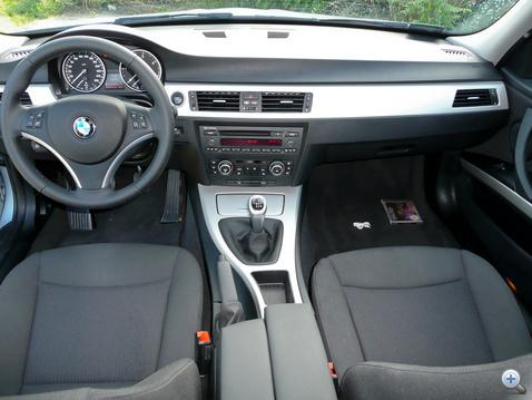BMW-knek általában jobban áll a fém, mint a fa