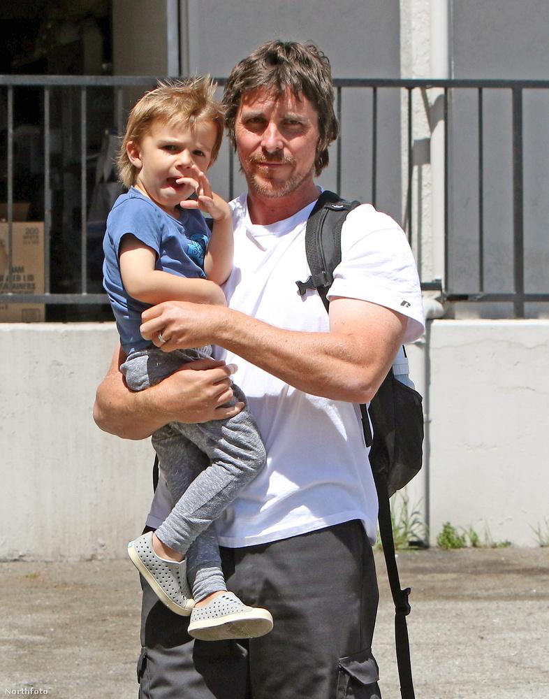 Bale többnyire igyekszik óvni a magánéletét, a kétgyerekes apuka eleinte még a gyerekei nevét sem volt hajlandó elárulni az újságíróknak