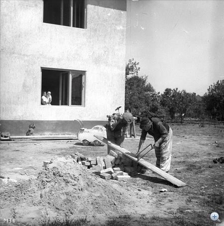 Építkezés a Wekerle-telepen 1954-ben
