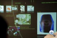 Ott, az a kék izé a hologramos 3D Touch Screen