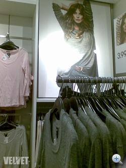 H&M: 3990 forintos kötött pulóverek.