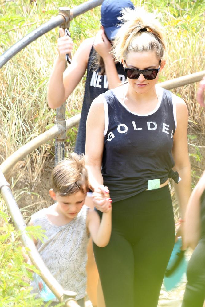 A 37 éves színésznő gyerekei, Ryder Robinson és Bingham Bellamy a Honoluluban található Koko Head krátert fedezték fel