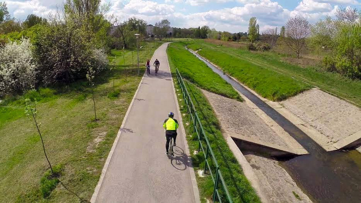 A Rákos-patak melletti klassz bringautat összekötnék a Szilas-patak menti klassz bringaúttal