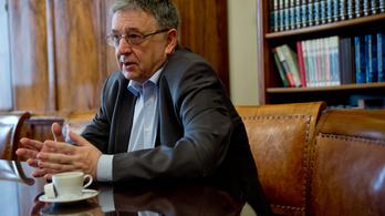 Lovász László visszautasítja a cenzúra vádját