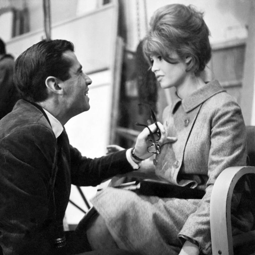 Roger Vadim első híres felesége Brigitte Bardot volt, akit 1952-ben vezetett oltár elé.