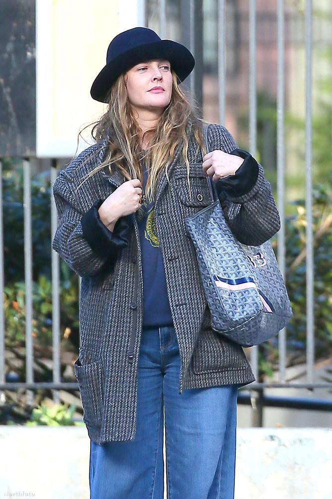 Január végén Drew Barrymore még azt nyilatkozta az újságíróknak, hogy nem áll készen egy új kapcsolatra, miután a harmadik házassága is zátonyra futott