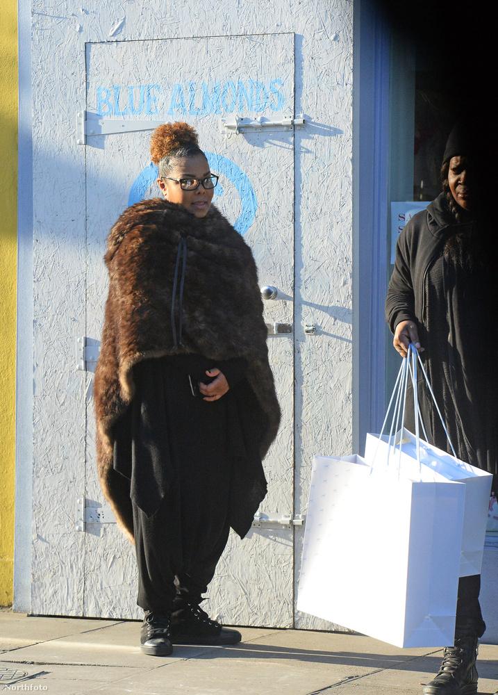 Az biztos, hogy Janet Jacksonnál telt be a pohár és ő dobta ki férjét otthonról.Persze mindebből a három hónapos Eissa Al Mana még semmit sem ért
