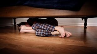 11 éves korában fogta fel, hogy erőszakolja az apja