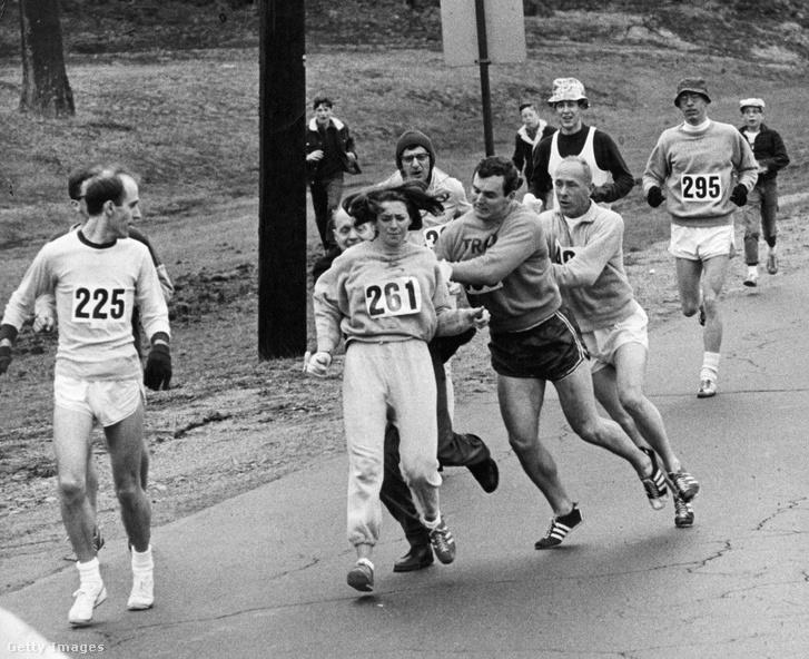 Sporttörténeti pillanat a bostoni maratonon