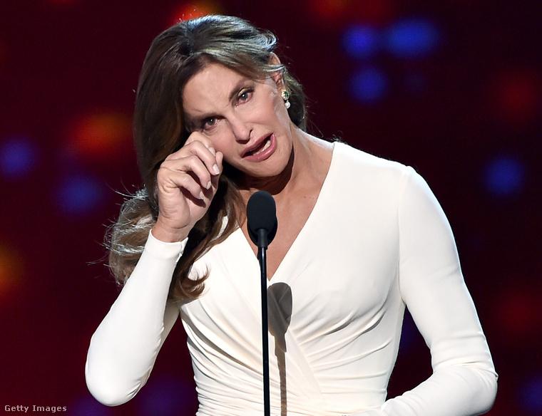Caitlyn Jenner első nyilvános szereplése nőként 2015 nyarán.