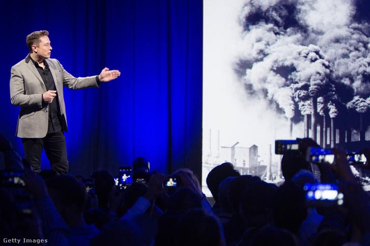 Elon Musk a Tesla vezetője