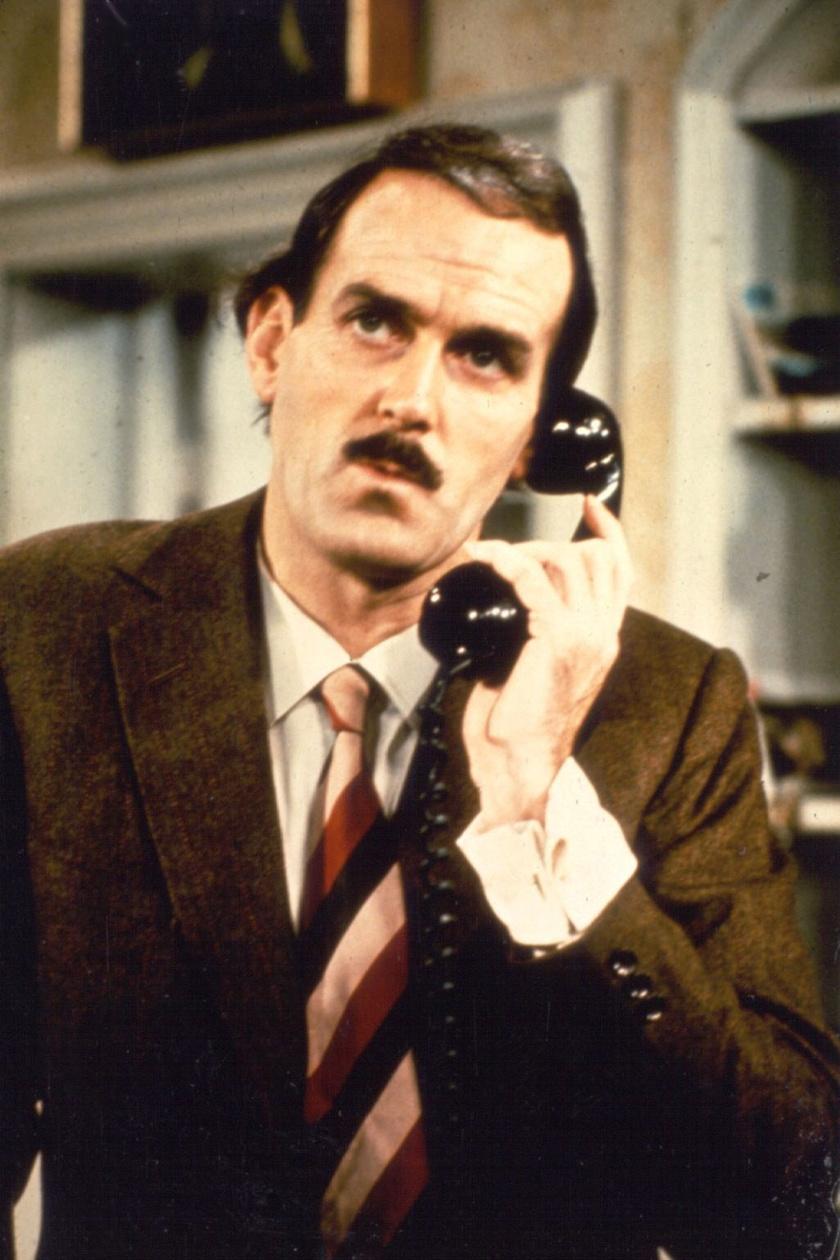 John Cleese a Waczak szállóban