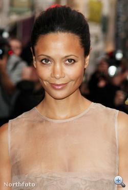 Az egyik híresség a londoni Fashion's Night Outon