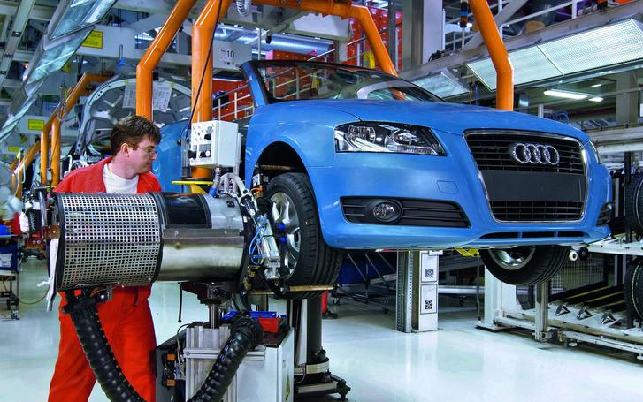 Audi-factory-2