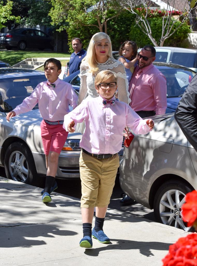 Egy húsvéti rendezvényre mentek a gyerekekkel