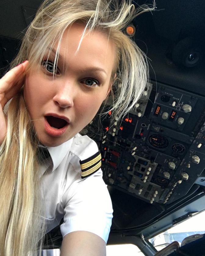 A szexi pilótanők egyik fontos ismérve, hogy azon túl, hogy bámulatos fotók készülnek róluk, rendszerint eléggé inspiráló a történetük