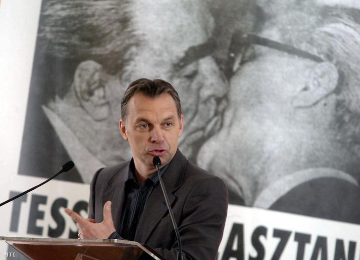 Orbán Viktor 2007-ben, a Fidesz 19. születésnapjára rendezett konferencián