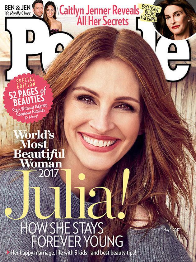 Rekordnak minősül, hogy már ötödik alkalommal választották a világ legszebb nőjének Julia Robertset, amivel ismét felkerülhetett a People Magazine címlapjára