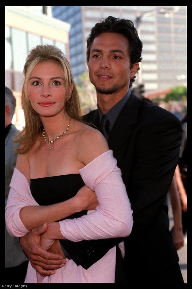 Együtt élt Liam Neeson-nel, és a képen látható Benjamin Brattel is, utóbbival 1997 és 2001 között