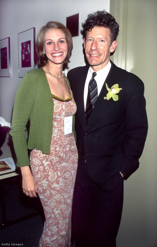 Alig két évvel később a színésznő az addigiaktól egészen eltérő elveket kezdett vallani: miután hirtelen beleszerelmesedett, 1993-ban hozzáment Lyle Lovett countryzenészhez