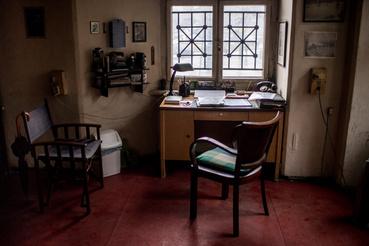 Az iroda, ahol a Lánchíd mindenkori hídmestere 1857 óta dolgozik. Az asztalon a telefonnal, amely esős időben annyiszor csörgött