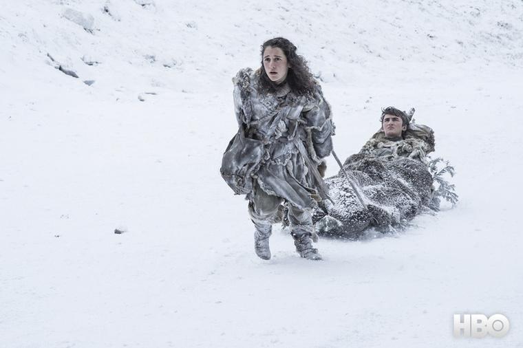 The winter is coming!Megérkeztek az első fotók a Trónok harca hetedik évadának részeiből, és a képek alapján elég sok minden kiderül az új szezonról