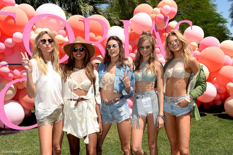 A Victoria's Secret fehérneműmodelljei is ott voltak a híres mellek fesztiválján, és természetesen pózoltak egyet a kameráknak.A képen látható modellek balról jobbra: Martha Hunt, Jasmine Tookes, Alessandra Ambrosio, Josephine Skriver és Romee Strijd.