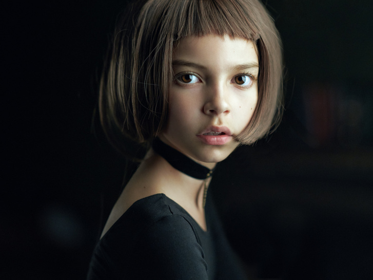 A Nyílt kategória Év Fotósa címét és az ezzel járó 5 ezer dolláros pénzdíjat Alexander Vinogradov Mathilda című munkája nyerte el. A moszkvai amatőr fotós portréfelvételén egy fiatal lány látható, a képet Luc Besson filmje, a Leon, a profi ihlette.