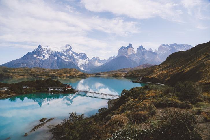 Az idei évben a Los Angeles-i Katelyn Wang (Amerikai Egyesült Államok) nyerte az Év Ifjúsági Fotósa címet, a chilei Torres del Paine Nemzeti Parkban készült A világ tetején című fotójával.