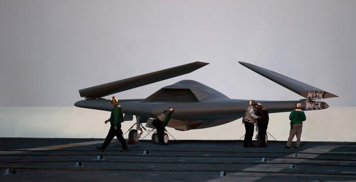 A Lockheed Martin pilóta nélküli, repülőgéphordozóról indítható, felderítő és csapásmérő gépének koncepciója (Unmanned Carrier Launched Airborne Surveillance and Strike – UCLASS)