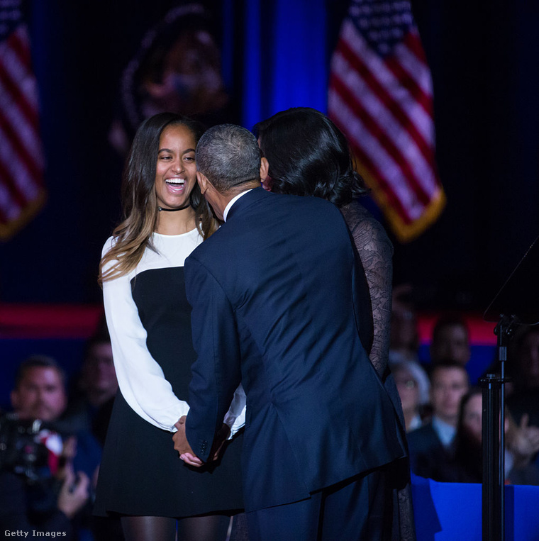 Malia Obama a szüleivel