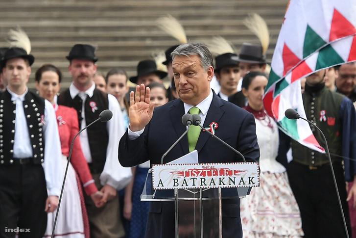 Orbán Viktor a múzeumkertben 2017. március 15-én