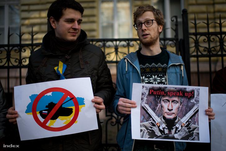 Három éve még lehetett tüntetni az orosz követség előtt