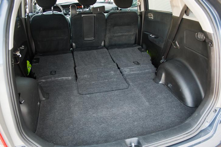 Mini furgon: ekkora csomagtér mellett is három személyes marad