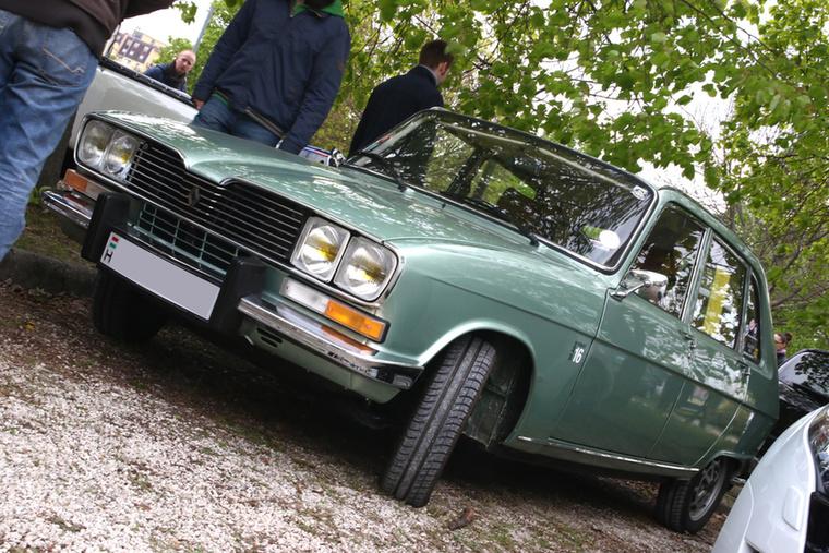 Renault 16, minden ferdehátúak egyik őse