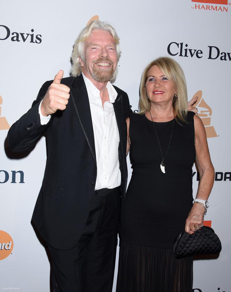 És íme még egy ismerős, Richard Branson, akit utoljára Barack Obama társaságában láttunk
