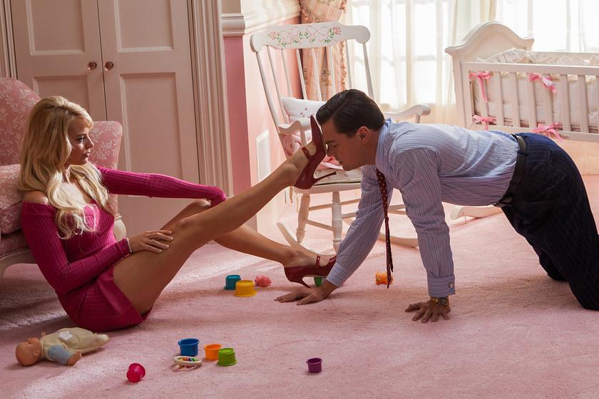 Margot Robbie és Leonardo DiCaprio A Wall Street farkasában